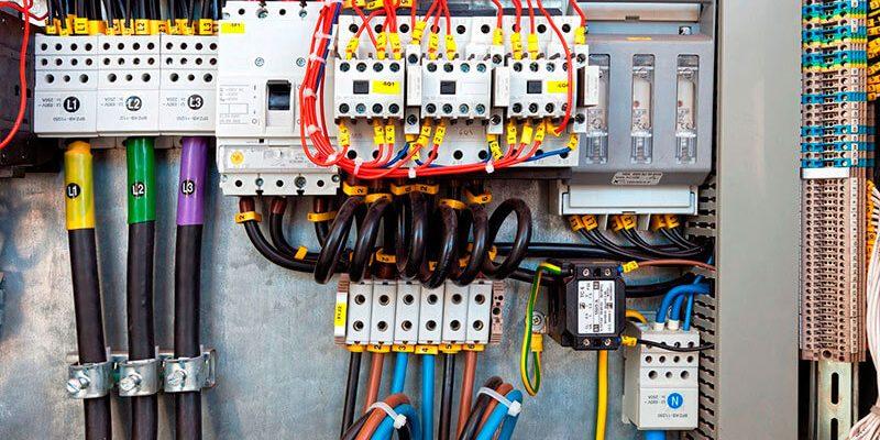 instalacao-de-quadro-de-distribuicao-de-energia-em-curitiba